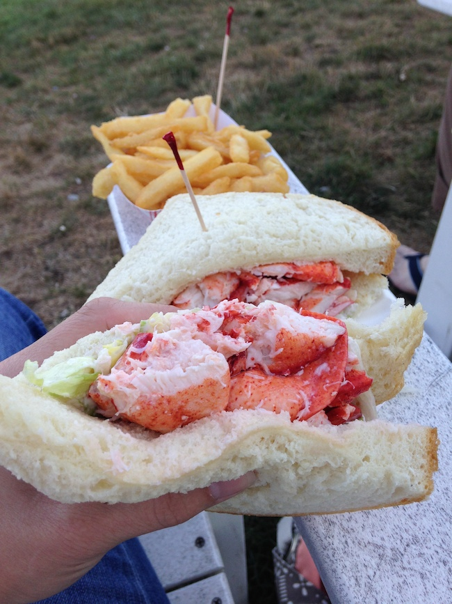 aunt carrie lobster roll koskie