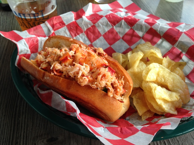 lobster roll lobster bar koskie